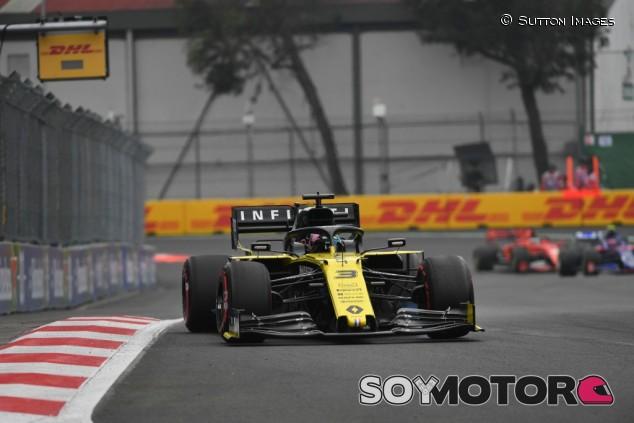 """Ricciardo: """"Me sorprendió vernos tan mal en algunas carreras este año"""" - SoyMotor.com"""