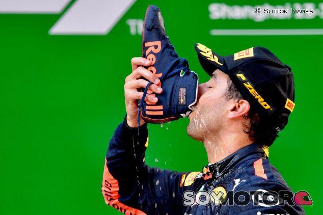 'Shoey' de Daniel Ricciardo en el pasado GP de China – SoyMotor.com