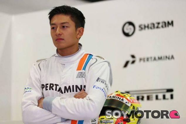Rio Haryanto durante los test de pretemporada con Manor - LaF1
