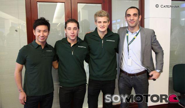 Robin Frijns posa junto a Kamui Kobayashi, Marcus Ericsson y Cyril Abiteboul - LaF1