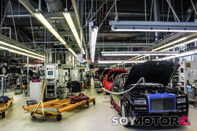 Planta de producción de Rolls-Royce en Reino Unido - SoyMotor.com