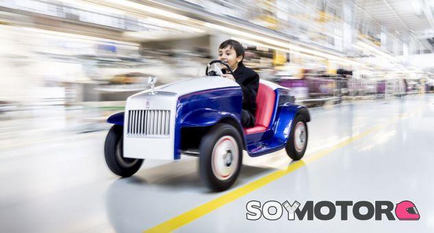 Ir a quirófano en un Rolls Royce da menos miedo - SoyMotor.com