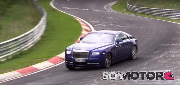Un Rolls Royce se 'pasea' por Nürburgring