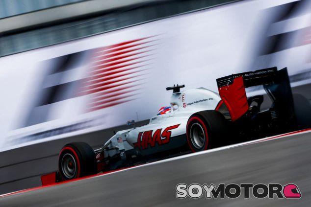 Grosjean recibe elogios de su jefe de filas - LaF1