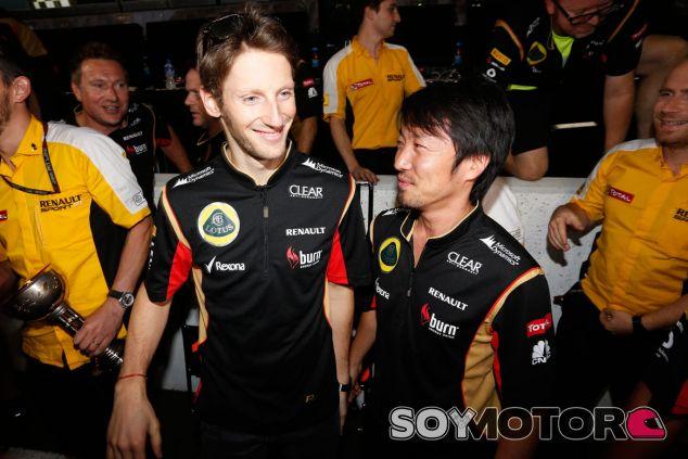 Romain Grosjean festeja su podio en Suzuka - LaF1