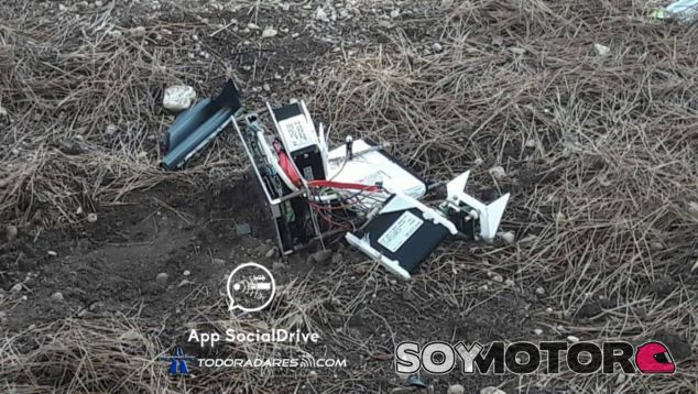 Un vecino de Castellón arrestado por destrozar un radar Velolaser - SoyMotor.com