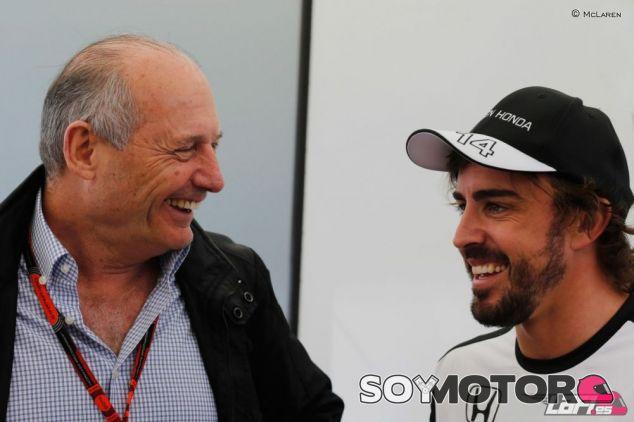 Ron Dennis asegura que Alonso se puede tomar un año sabático - LaF1