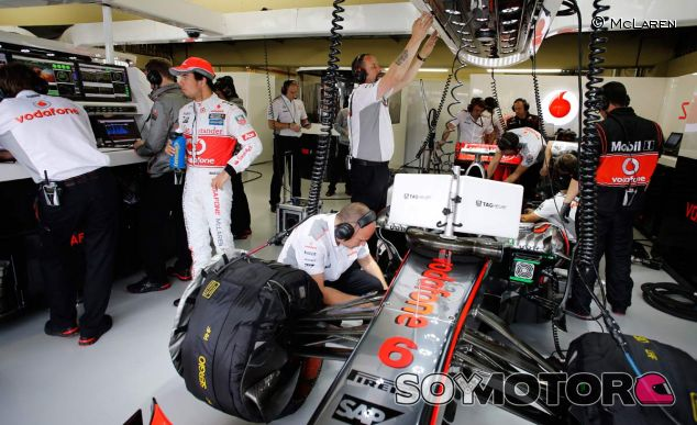 Ron Dennis estudia la compra del 25% del McLaren