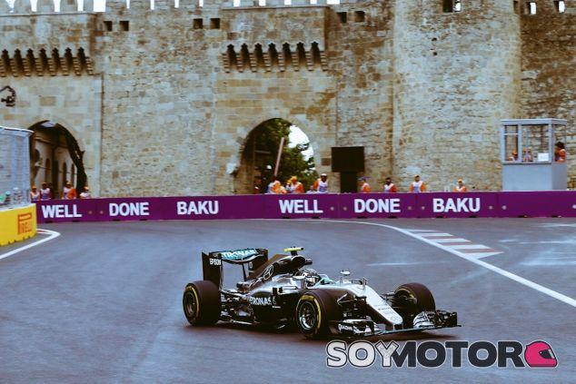 Nico Rosberg gana en Bakú - LaF1