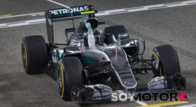 Rosberg celebra su victoria conseguida en Baréin - LaF1