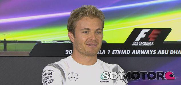 Rosberg durante la rueda de prensa oficial en Abu Dabi - LaF1