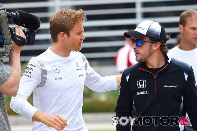Nico Rosberg y Fernando Alonso - SoyMotor