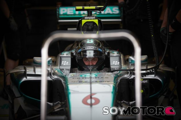 Rosberg perdió la victoria y la oportunidad de retrasar el título de Hamilton en Austin - LaF1