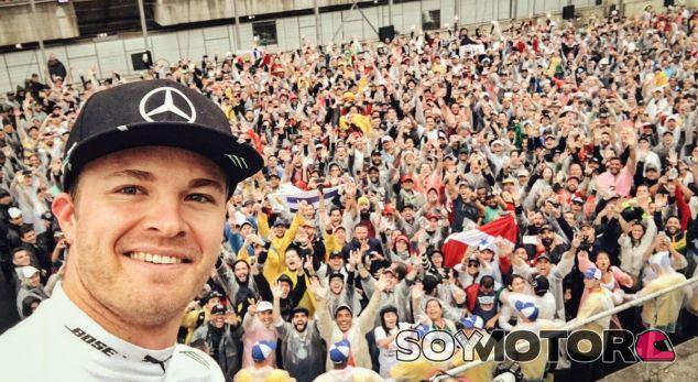 Rosberg, en el podio del GP de Brasil - LaF1