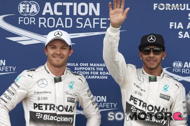 Nico Rosberg y Lewis Hamilton tras la clasificación del GP de Australia - LaF1