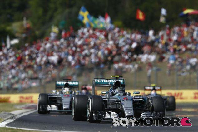 Nico Rosberg y Lewis Hamilton - LaF1.es