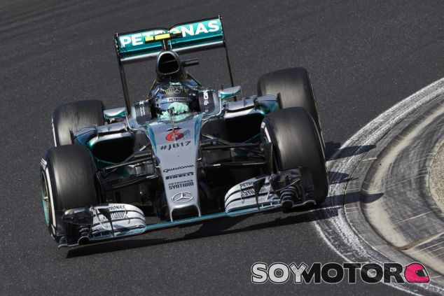 En Mercedes se equivocaron al poner el neumático medio a Rosberg tras el SC - LaF1