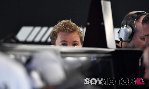 Nico Rosberg en los test de Barcelona - SoyMotor