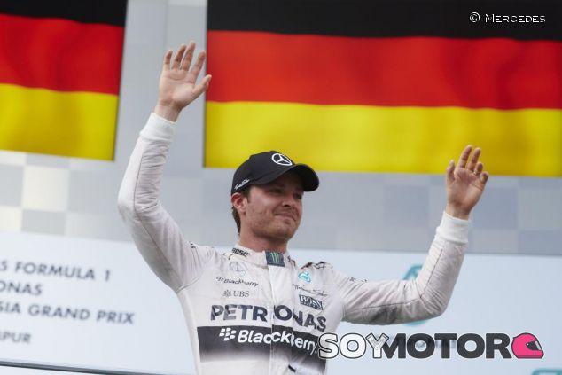 Nico Rosberg en el podio de Malasia - LaF1