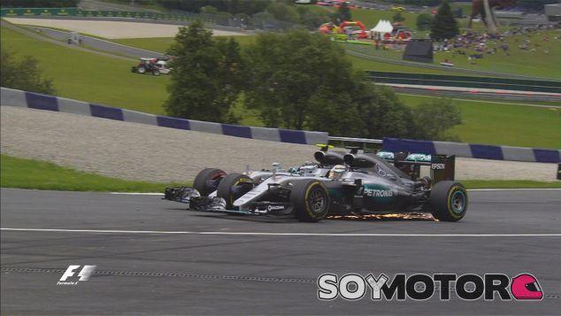 El adelantamiento de Lewis Hamilton a Nico Rosberg - LaF1