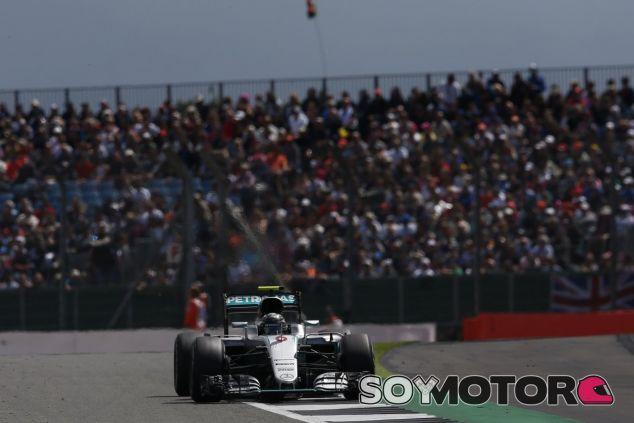 Rosberg pudo acabar la carrera gracias a las indicaciones técnicas desde el muro de boxes - LaF1