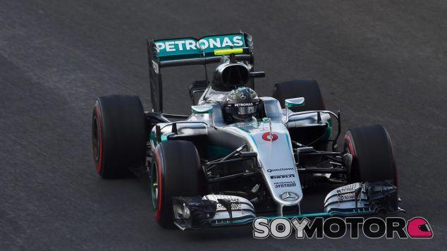 Rosberg consigue la Pole Position beneficiado por la bandera amarilla de Alonso en Q3 - LaF1