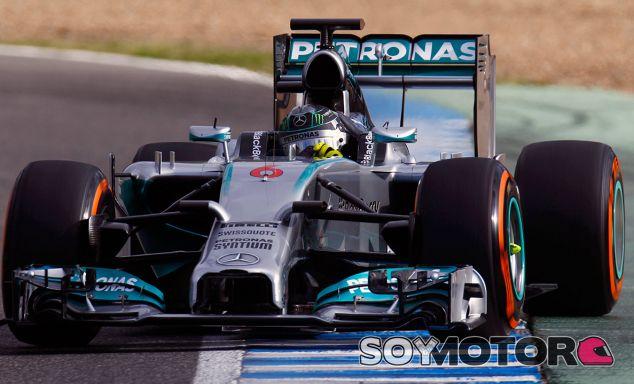 """Rosberg y Hamilton coinciden, el inicio de Mercedes es """"alentador"""""""