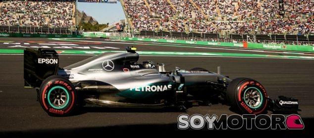 Rosberg, durante la carrera en México - LaF1