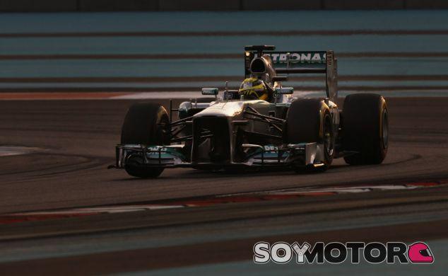 Nico Rosberg hoy en el circuito de Yas Marina - LaF1