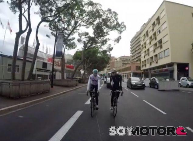 Chris Froome (izq.) y Nico Rosberg (der.) en Mónaco – SoyMotor.com
