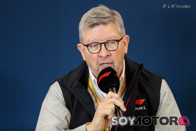 """Brawn: """"Bottas giró y no dejó sitio a Russell"""" - SoyMotor.com"""