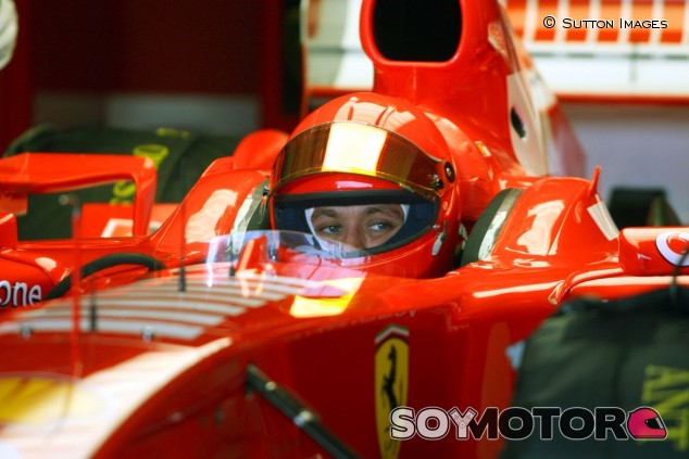 Valentino Rossi con Ferrari en 2006 - SoyMotor.com
