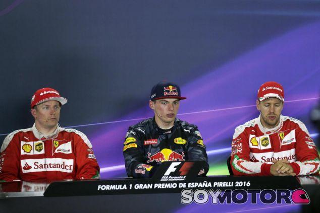 Los pilotos de Ferrari escoltan a Verstappen en su primera victoria - LaF1