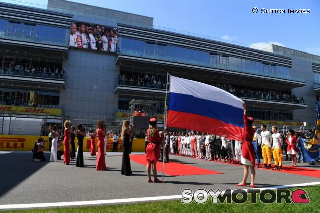 Imagen de la parrilla previa a la salida del GP de Rusia de 2016 - SoyMotor