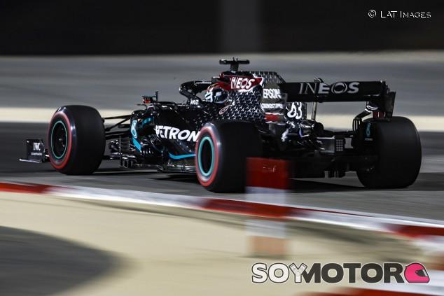 Russell sigue en lo más alto con el Mercedes: líder de los Libres 2 - SoyMotor.com