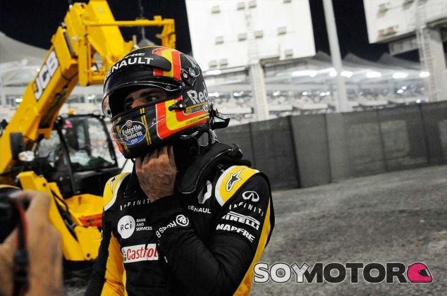 Carlos Sainz en Yas Marina - SoyMotor.com