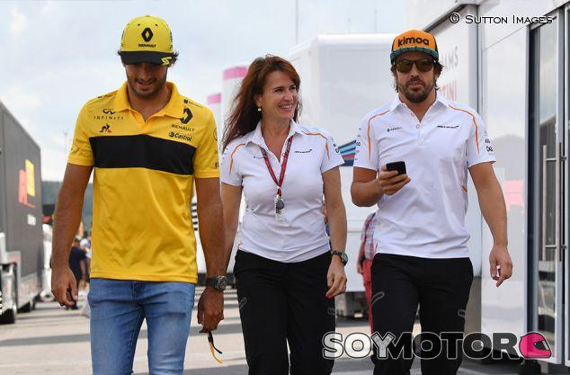 Carlos Sainz, Silvia Hoffer y Fernando Alonso en Spa - SoyMotor.com