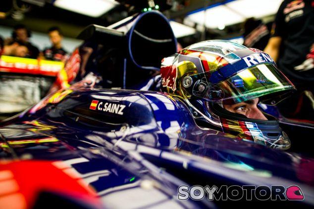 Sainz afronta con enormes ganas la última carrera de su primera temporada en la Fórmula 1 - LaF1