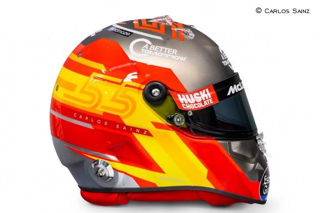 Carlos Sainz presenta su llamativo casco para la temporada 2020 - SoyMotor.com