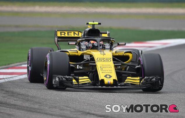 Carlos Sainz en el GP de China F1 2018 - SoyMotor.com