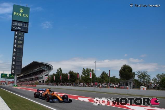 """El motor Ferrari sigue """"un paso por delante"""", afirma Sainz - SoyMotor.com"""