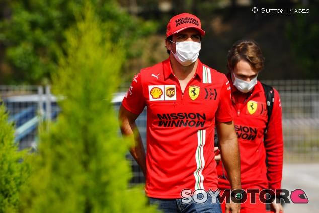Ferrari intentará mejorar tras Portugal, asegura Sainz - SoyMotor.com