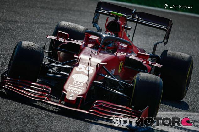 """Sainz y el incidente Hamilton-Verstappen: """"Se podía evitar"""" - SoyMotor.com"""