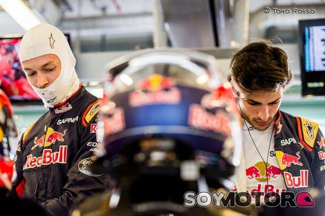 Daniil Kvyat y Carlos Sainz en 2016 - SoyMotor