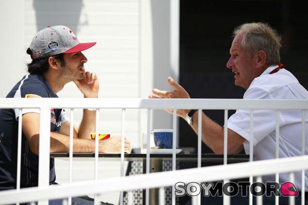Carlos Sainz y Helmut Marko - SoyMotor.com