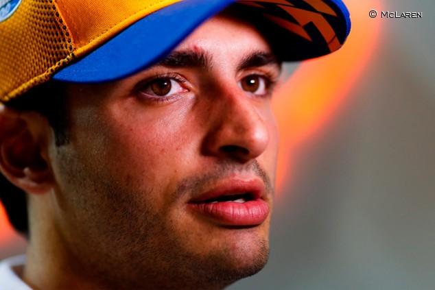 """Sainz disfruta de un ambiente """"diferente"""" en McLaren - SoyMotor.com"""