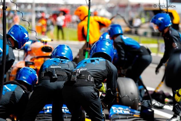 Sainz y Hülkenberg estrenan motores y penalizarán en Austria  - SoyMotor.com