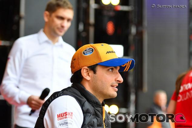 """Sainz mira a un 2021 junto a McLaren: """"No veo por qué no"""" - SoyMotor.com"""