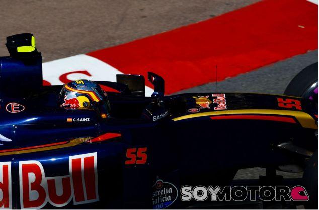 Sainz durante un Gran Premio esta temporada - SoyMotor