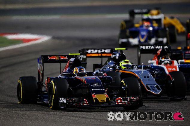 Pérez ha pinchazo un neumático a Sainz - LaF1